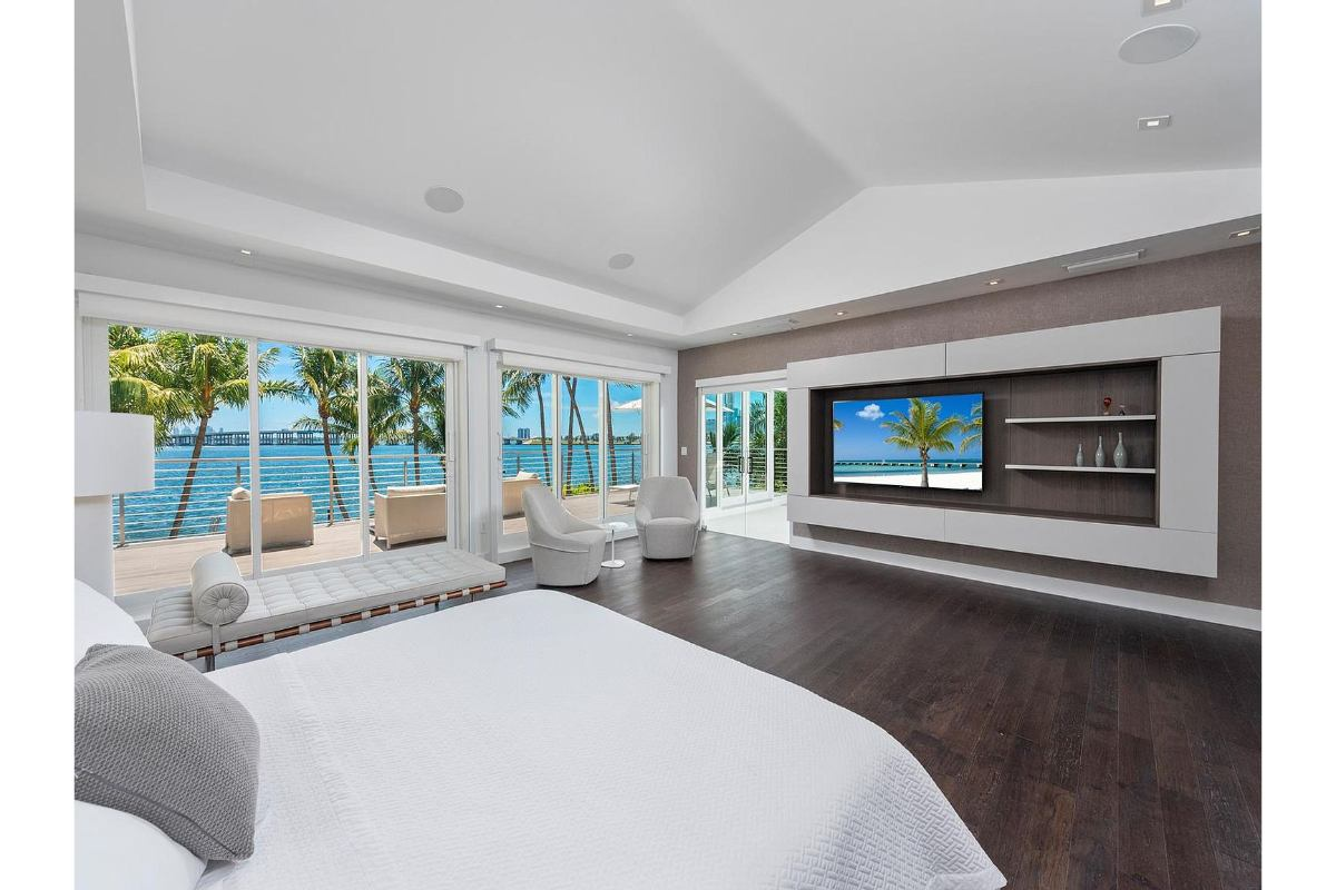 Home of the Day - Bay Point Miami