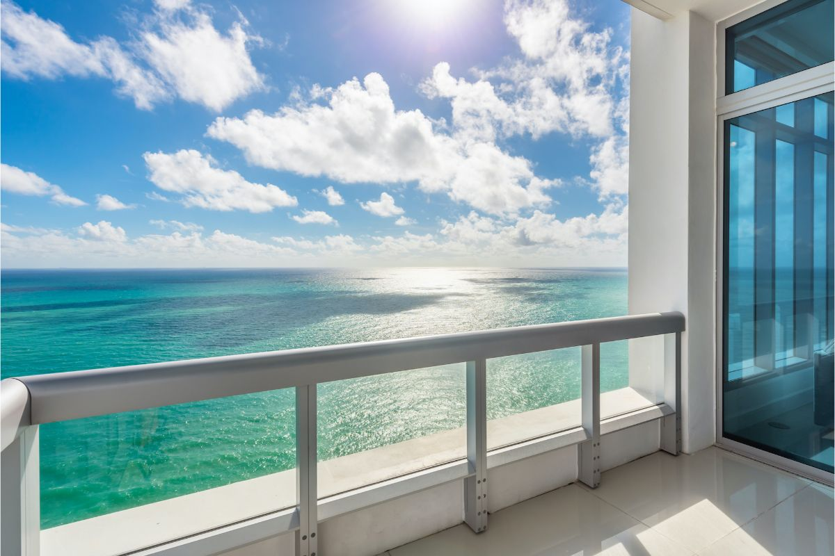 Home of the Day - Carillon Residences North Tower - Miami Beach