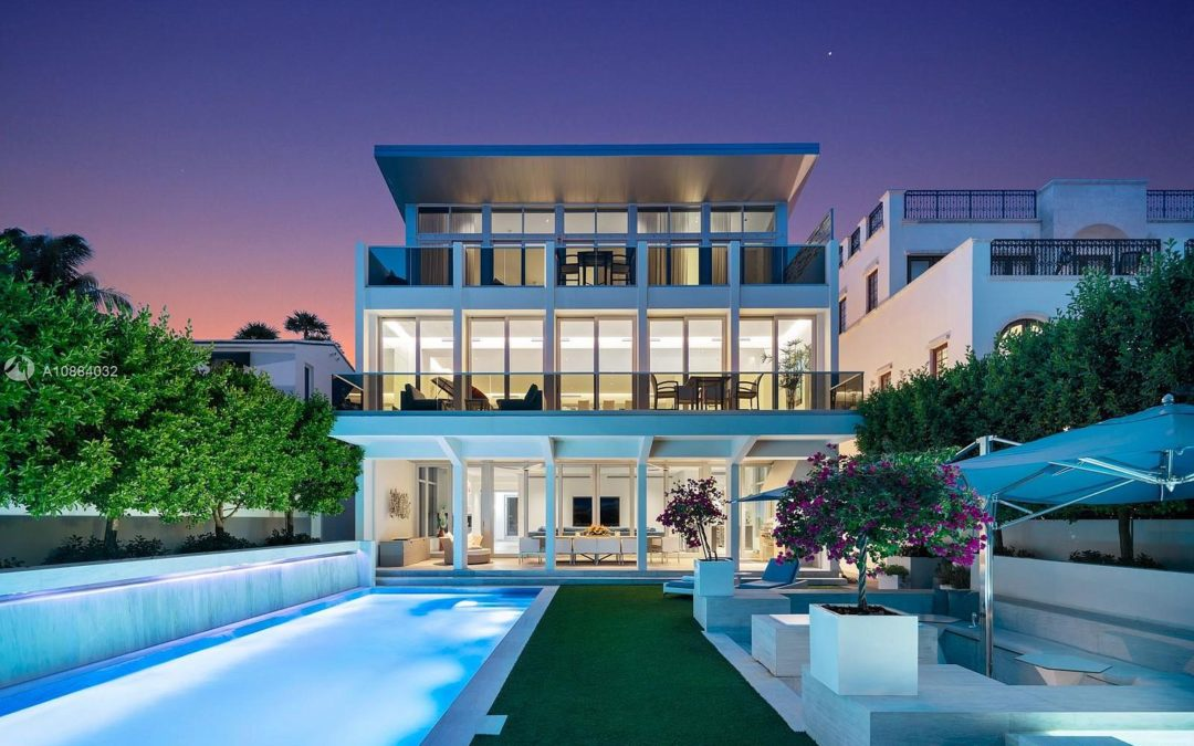 Home Of The Day: Ultra-Luxury Oceanfront Living In Altos Del Mar