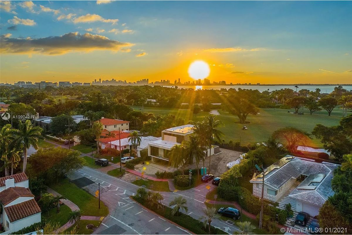 Today's featured Home Of The Day is a stunning 4-bed 4-bath designer residence on Miami Beach's exclusive La Gorce Drive.