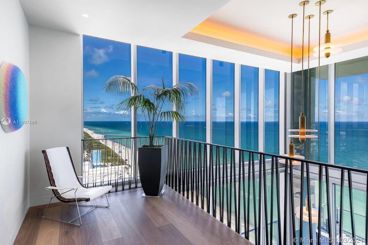 Today's featured Home Of The Day is the ultra-luxury 6-bedroom & 8-bath penthouse at the exclusive L'Atelier Miami Beach.