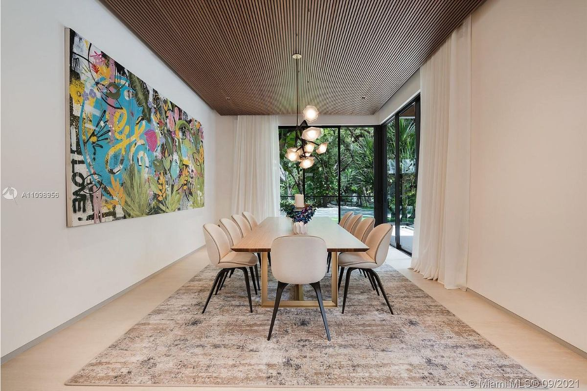 Today's Featured Home Of The Day is a luxurious 7-bedroom turnkey residence in Miami's desirable Hammock Lakes neighborhood.